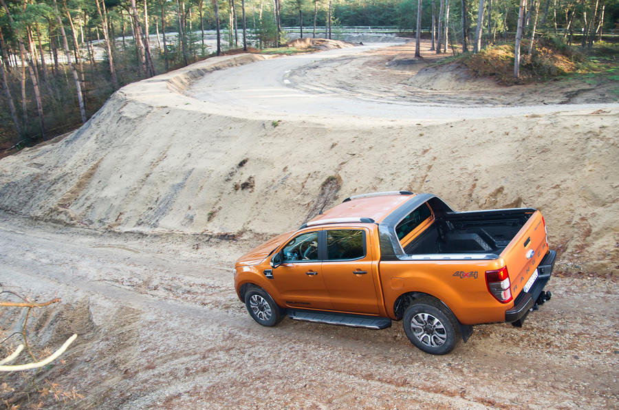 Ford Ranger rear descending