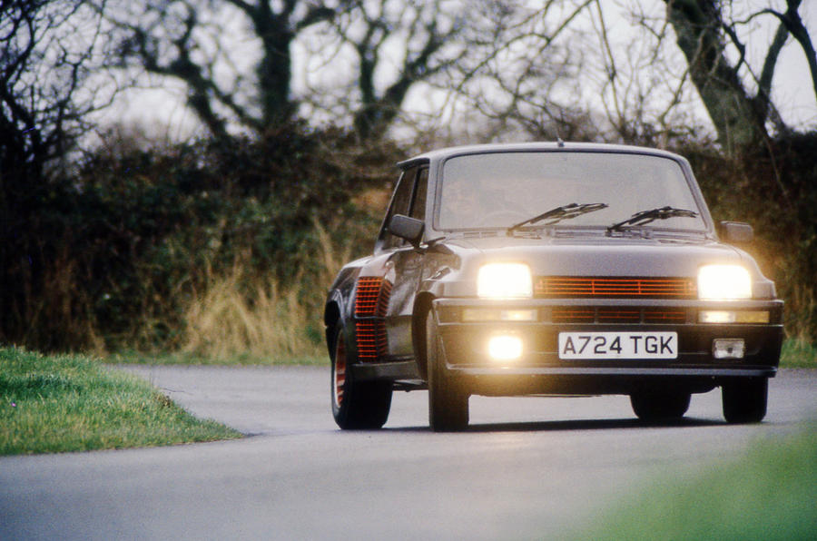 Renault 5 - tracking front