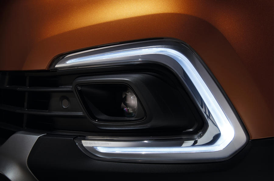 Facelifted Renault Captur on sale now priced from £15,355