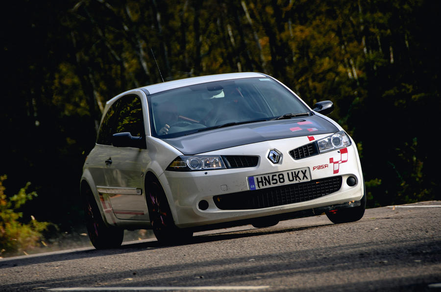 Renault Megane RS R26R 2009 - tracking front