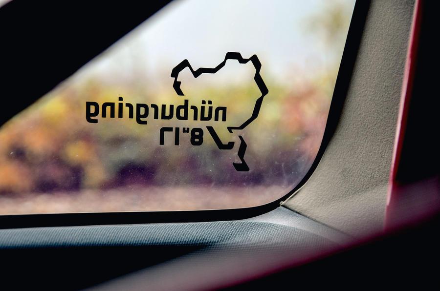 Renault Megane RS R26R 2009 - window