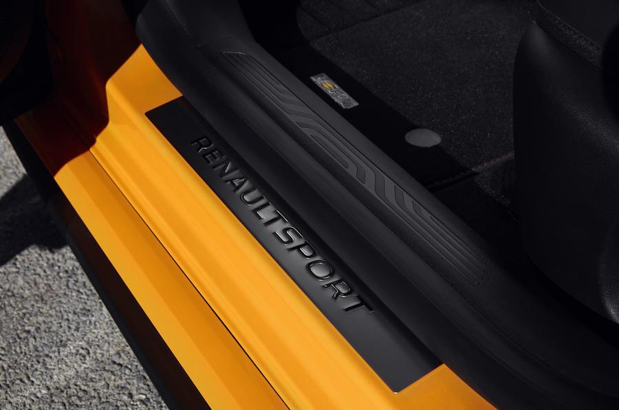 Renault Mégane RS kick plate