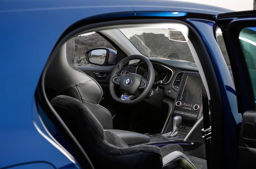 ... Renault Megane GT interior ...