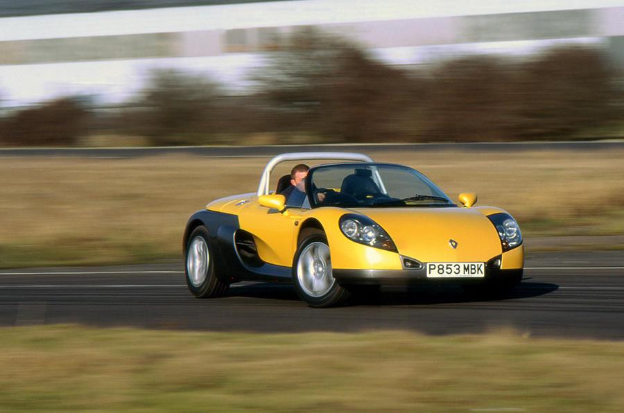 Renault Sport Spider - tracking front