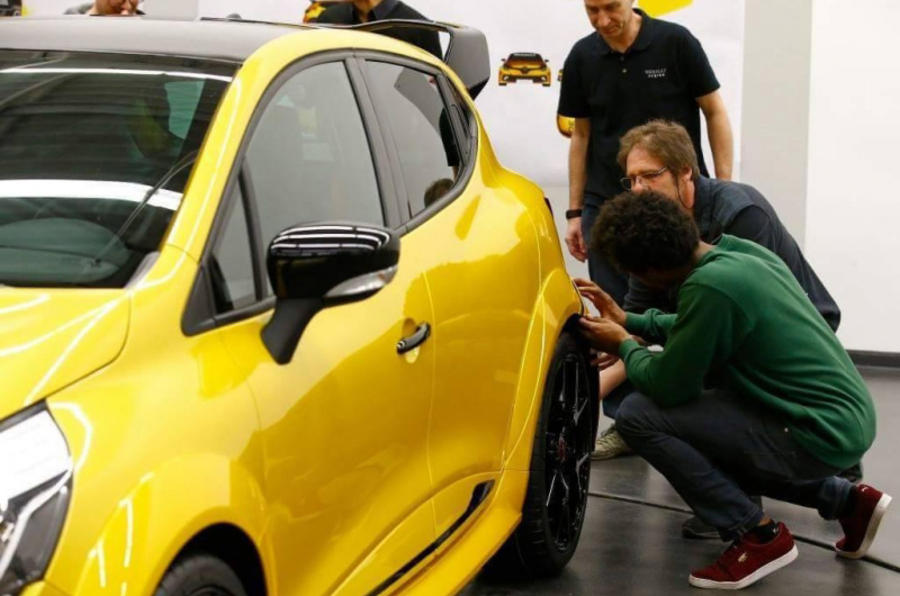 Renault Clio Renault Sport KZ 01 leaked picture wing