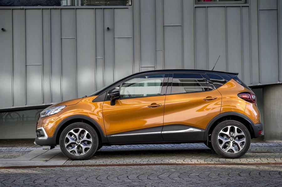 Renault Captur side profile