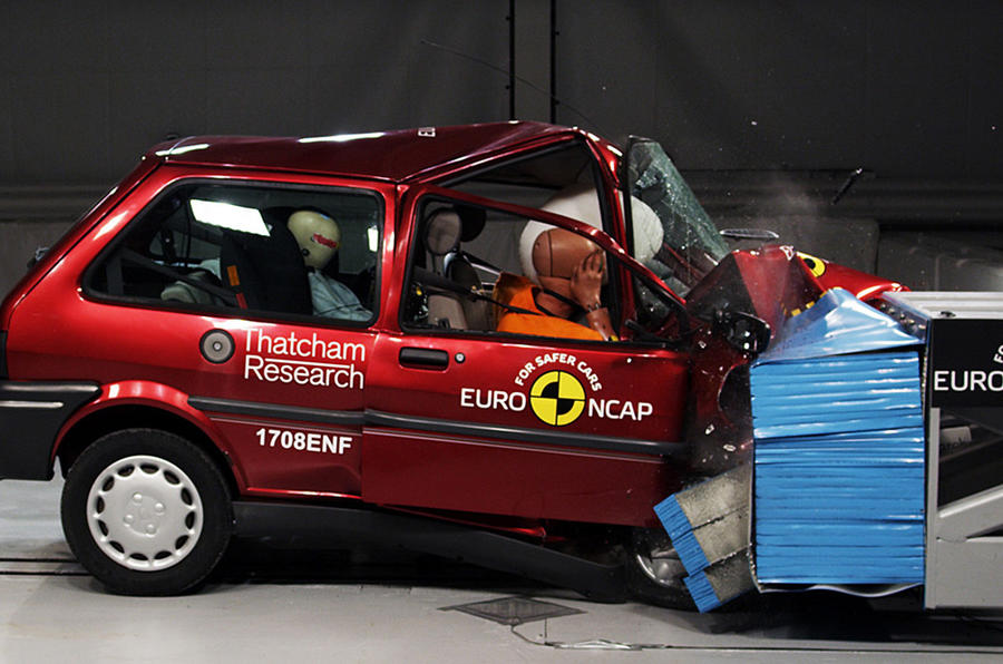 Rover 100 crash test