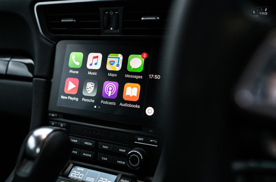 CarPlay in the Porsche 911 C4S
