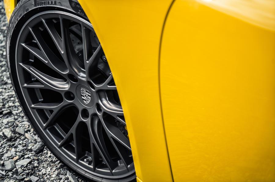 20in Porsche 911 C4S alloys