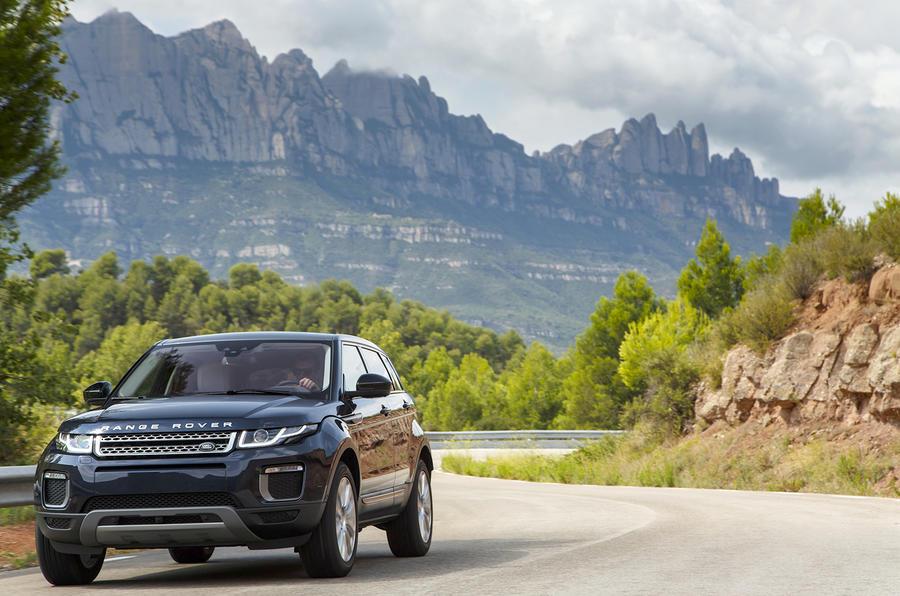 Range Rover Evoque cornerign