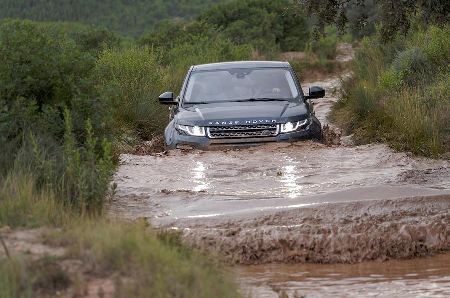 Range Rover Evoque wading