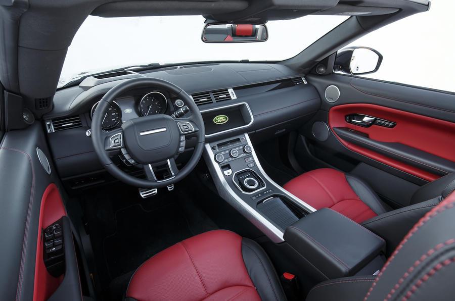 Range Rover Evoque Convertible dashboard