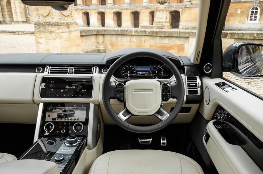 Range Rover P400e cabin
