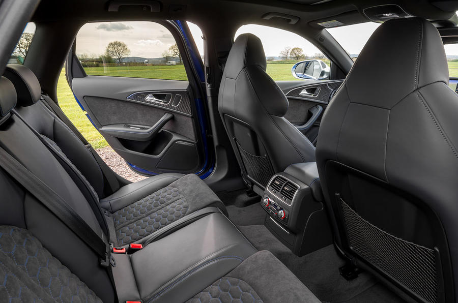 Audi RS6 Performance rear seats