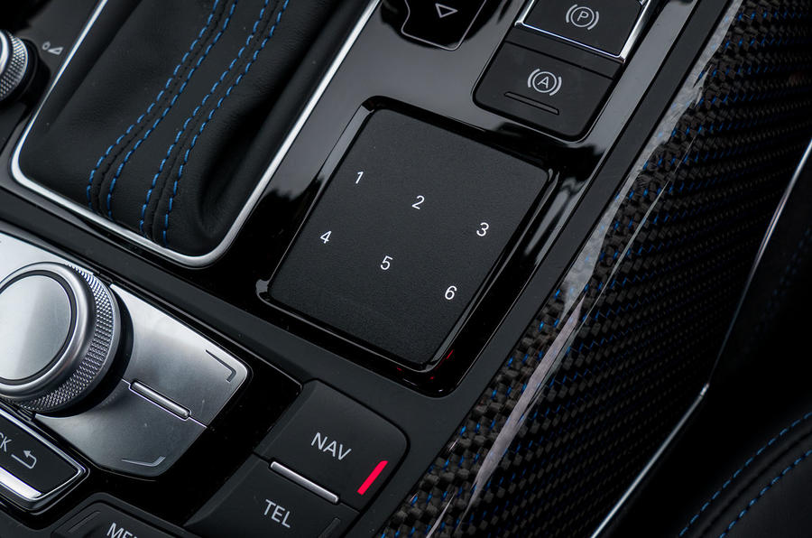 Audi RS6 Performance infotainment controls