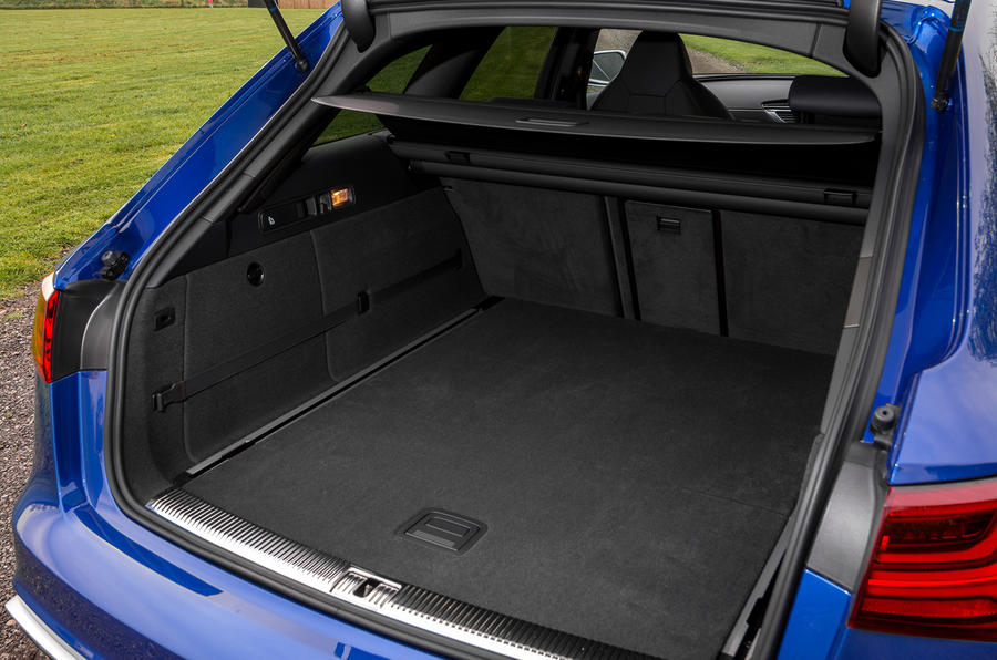 Audi RS6 Performance boot space