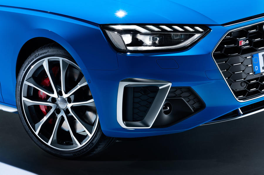 2019 Audi S4 press packet - front corner