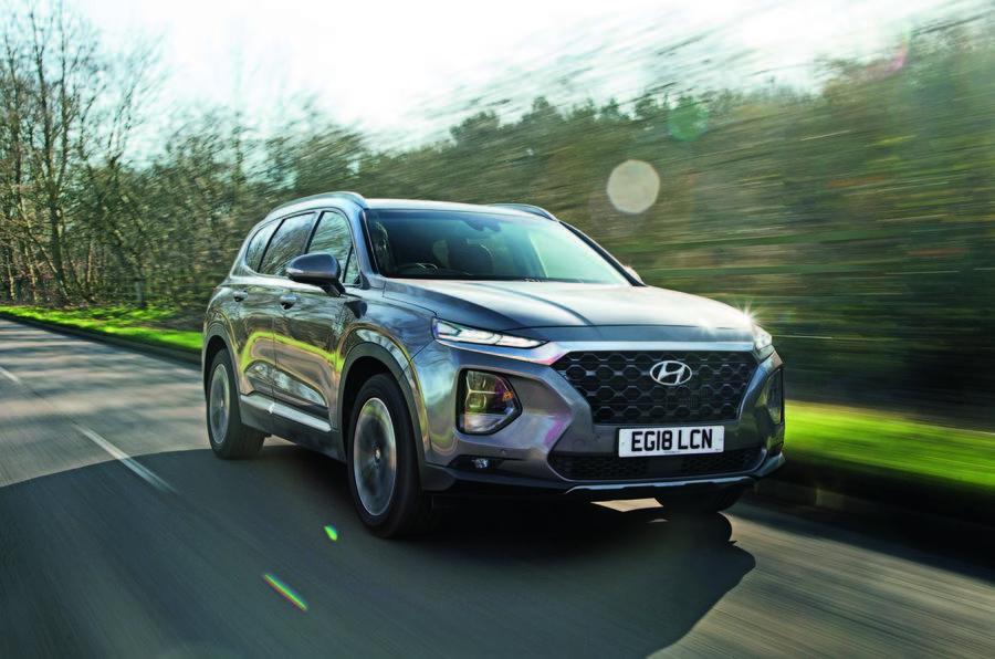 Hyundai Santa Fe driving - front