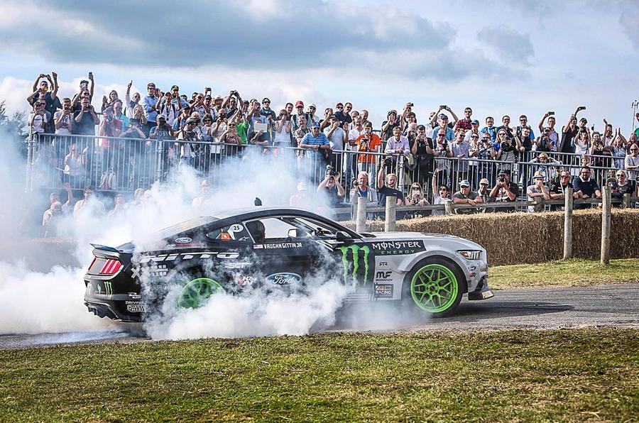 FORD MUSTANG DRIFT CAR