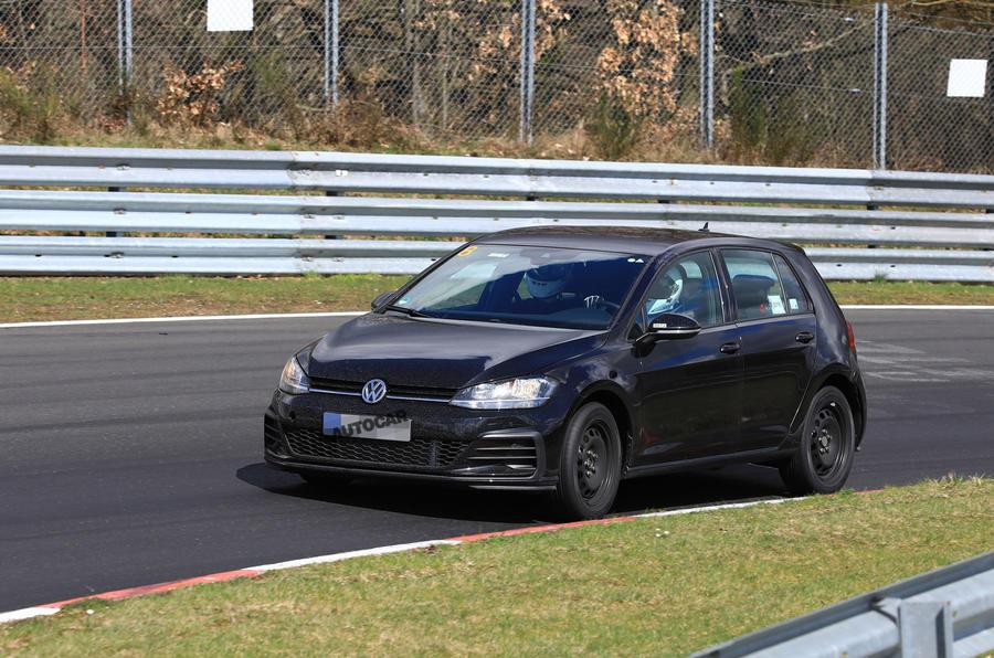 2019 Volkswagen Golf Mk8: first pictures show new cabin tech