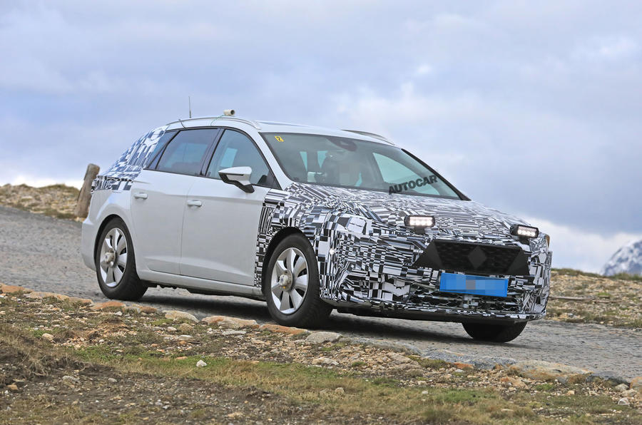 Ford Focus 2019 >> New 2019 Seat Leon spotted with minimal disguise | Autocar