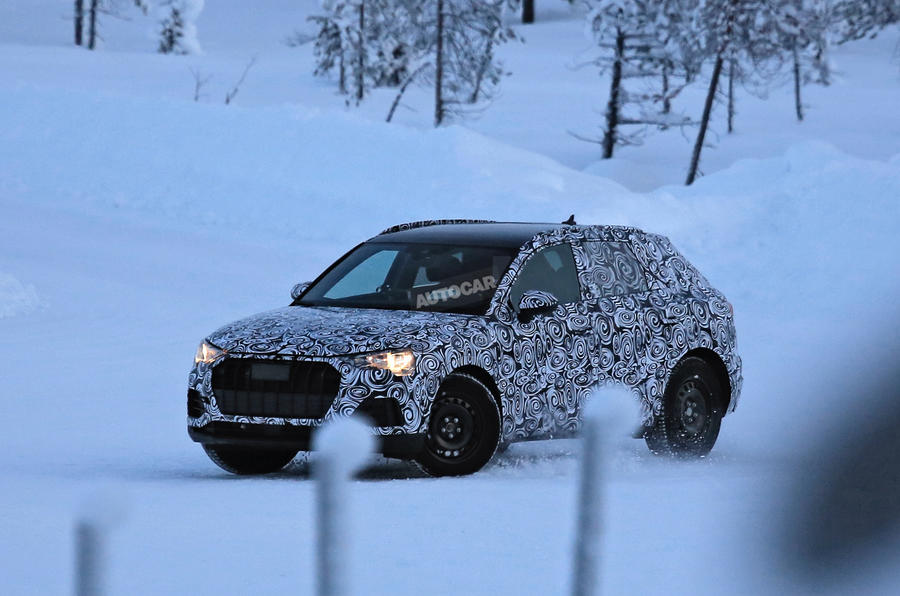 2018 Audi Q3 – new pics of future BMW X1 rival