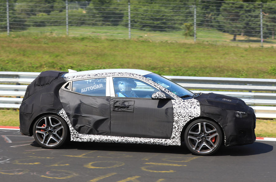 2018 hyundai veloster. simple hyundai hyundai veloster n hot hatch due in 2018 with 275bhp with hyundai veloster