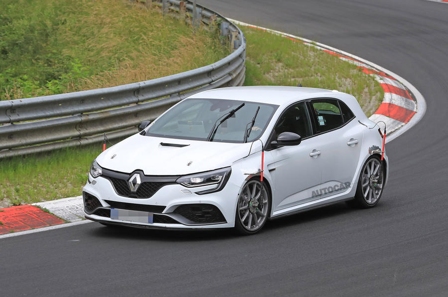 renault megane rs trophy 300 to go for for fwd nurburgring record