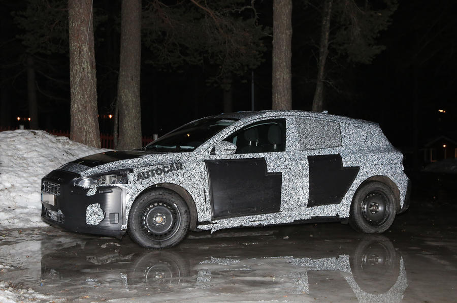 New Ford Focus – first spy pictures show evolved design