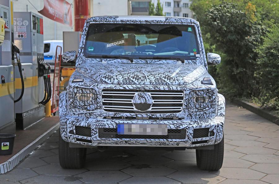 2018 Mercedes-Benz G-Class - larger platform, new V8 and LED lights due