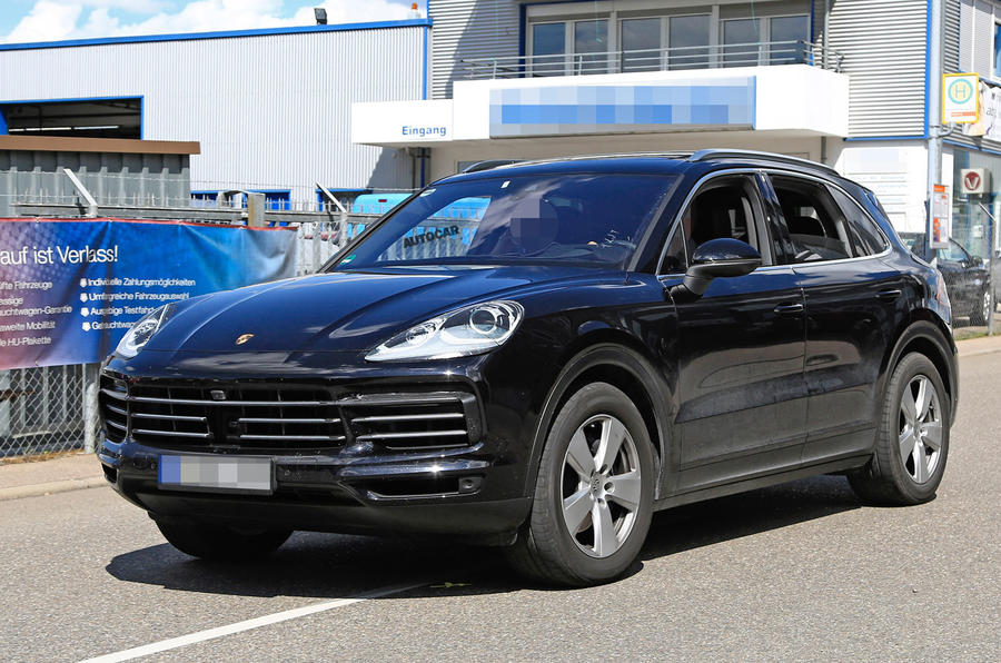 2018 Porsche Cayenne to gain 911-style tail-light strip