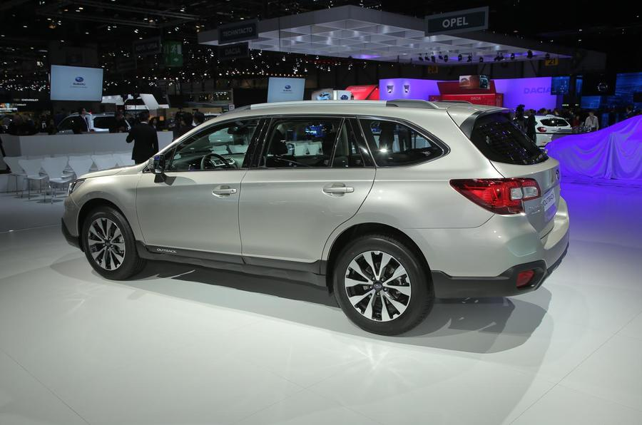 2015 subaru outback pricing and spec revealed plus video. Black Bedroom Furniture Sets. Home Design Ideas