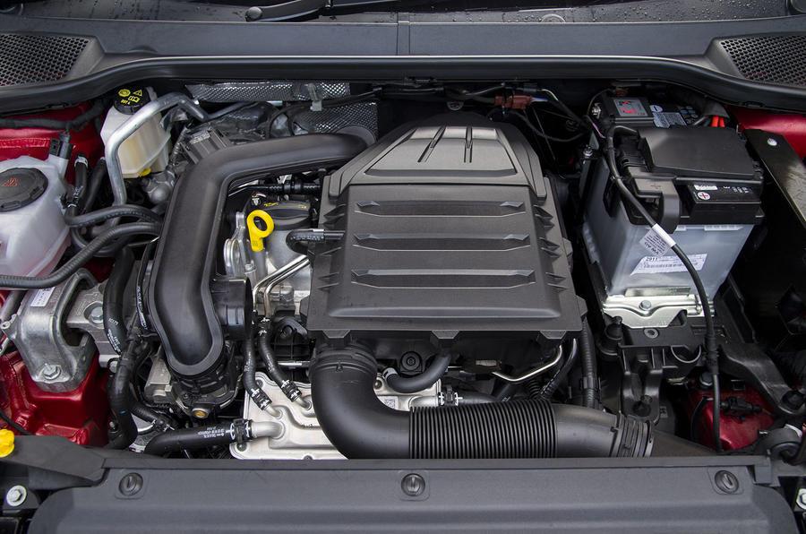 Seat Arona 1.5 TSI EVO FR engine bay