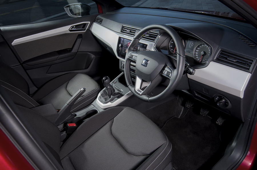 Seat Arona 1.5 TSI EVO FR interior