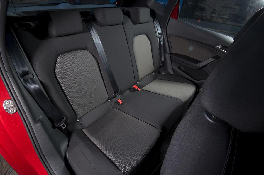 Seat Arona 1.5 TSI EVO FR rear seats