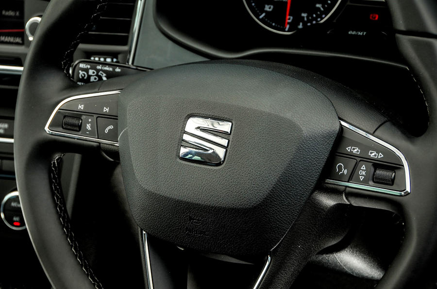 Seat Ateca steering wheel controls