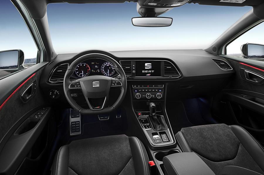 Seat Leon Cupra 300 interior