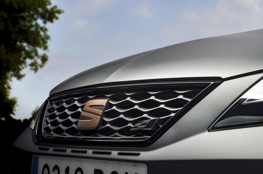 Seat Leon Cupra R front grille