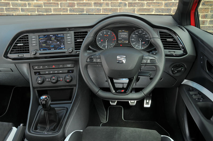 seat leon st cupra 280 2015 uk review autocar. Black Bedroom Furniture Sets. Home Design Ideas