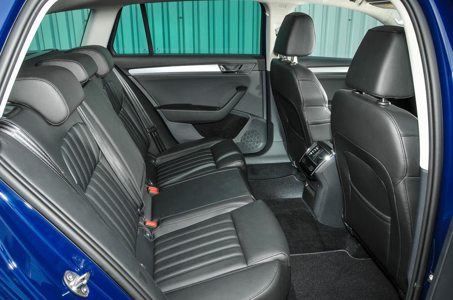 Straight Line Performance >> Skoda Superb Estate 2.0 TSI 280 4x4 DSG review | Autocar