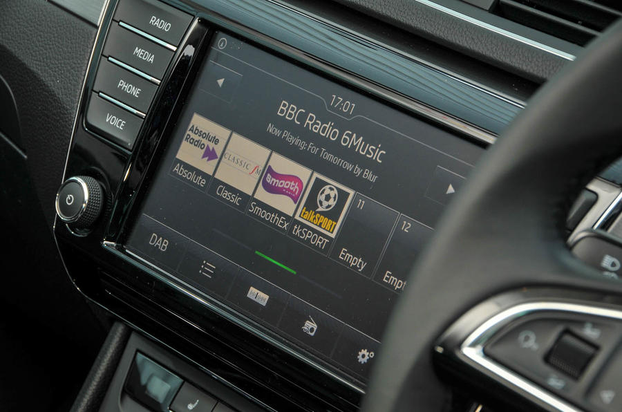 Skoda Superb Estate infotainment system