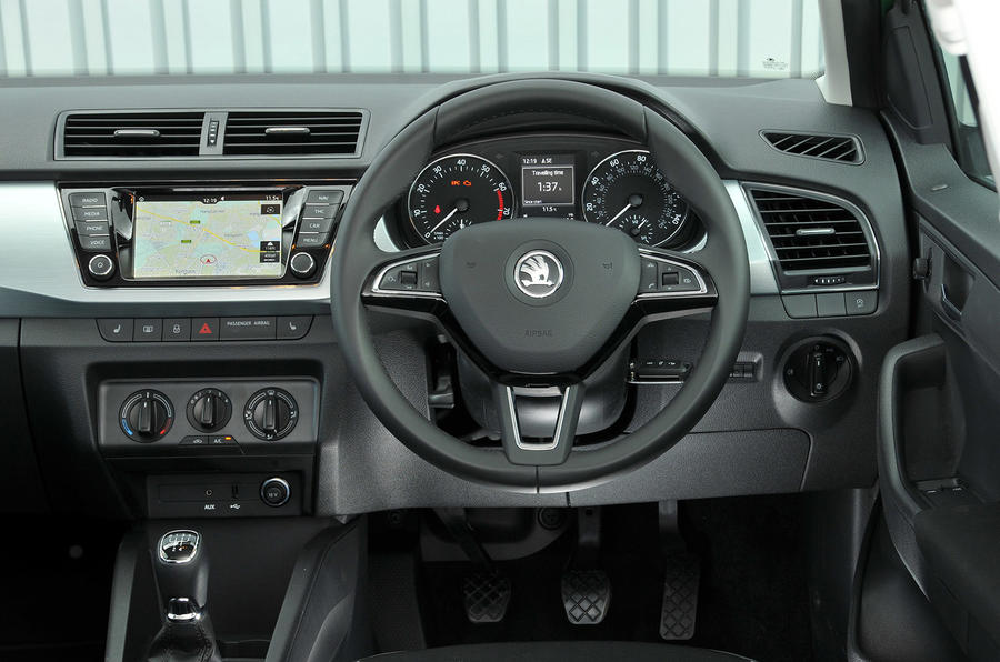 Skoda Fabia Colour Edition dashboard