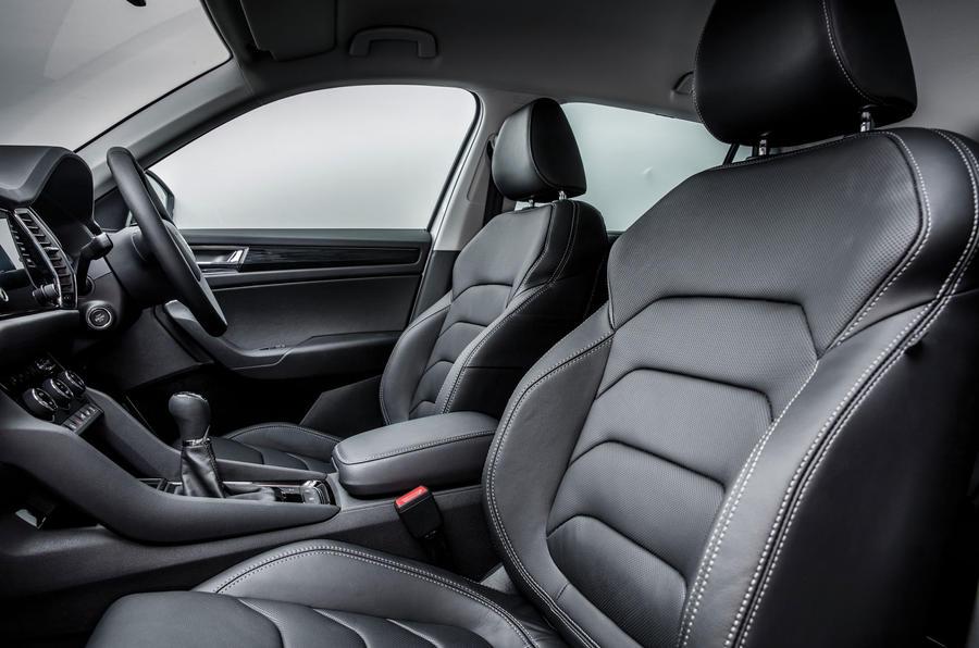 2017 skoda kodiaq makes public debut in paris autocar. Black Bedroom Furniture Sets. Home Design Ideas