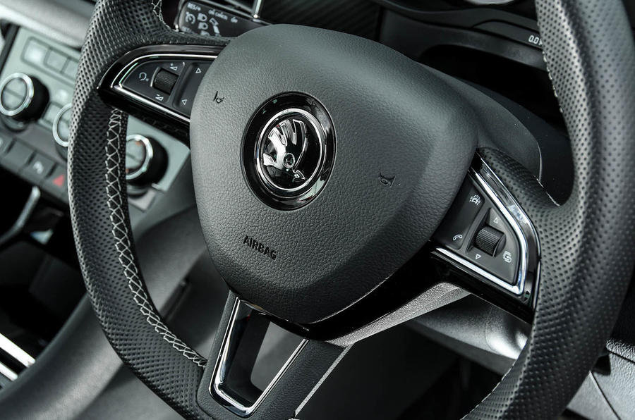 Skoda Kodiaq 4x4 Sportline 2018 UK review steering wheel