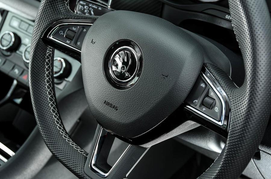 Skoda Kodiaq 4x4 Sportline 2018 UK review steering wheel