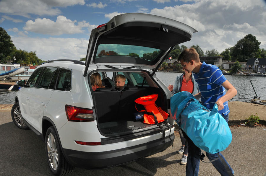 Filling the Skoda Kodiaq with paddleboards