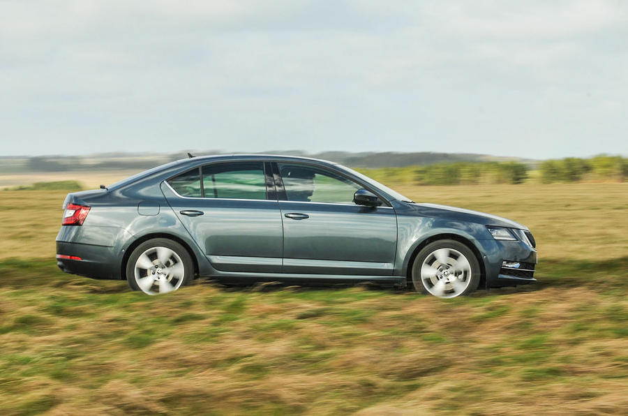 Skoda Octavia Side Dynamic