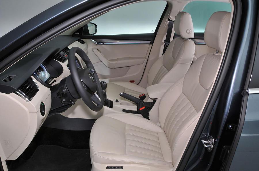 Skoda Octavia Front Seats