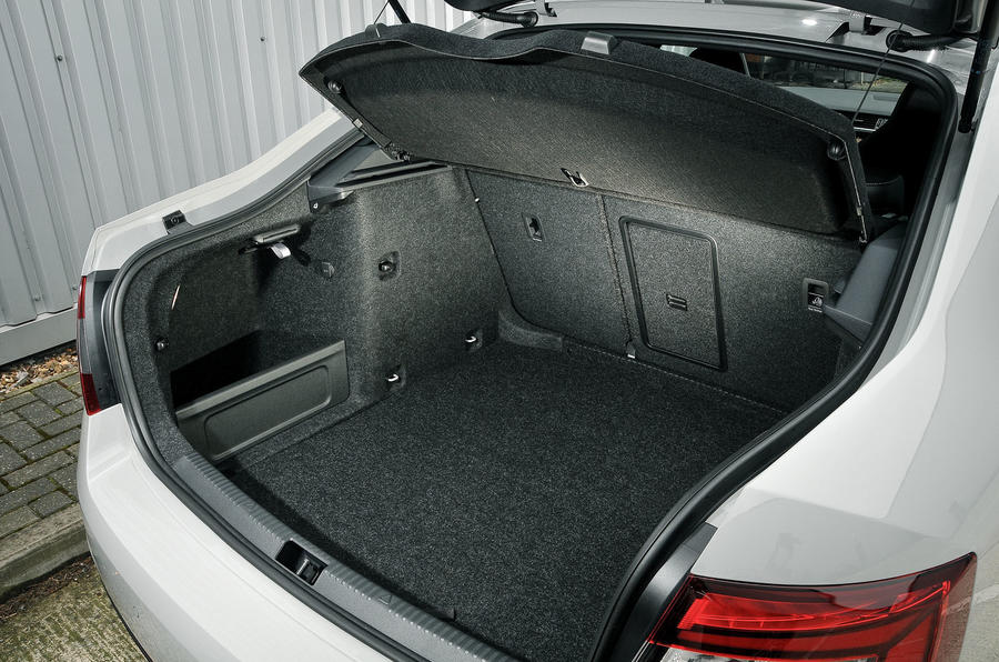 Skoda Octavia vRS 245 boot space