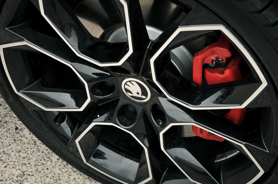 Skoda Octavia vRS 245 alloy wheels